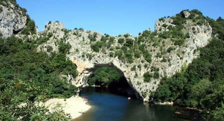 L'Ardèche le bonheur des amateurs d'activités de plein air
