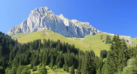 En Rhône-Alpes appréciez le camping été comme hiver