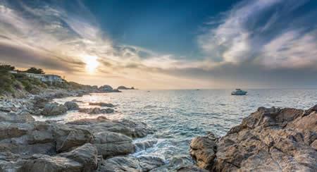Entre mer et montagne des vacances en Corse c'est l'idéal