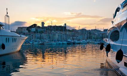 Le vieux port de Cannes au couchant