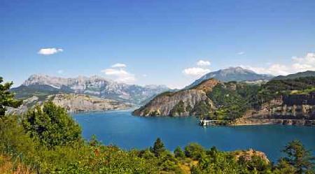 Panorama sur le lac de Serre-Ponçon