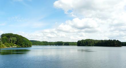 Lac de Saint-Étienne-de-Cantales