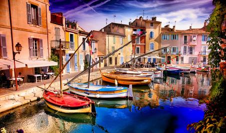 Martigues : Typique port de pêche dans le quartier de Carro